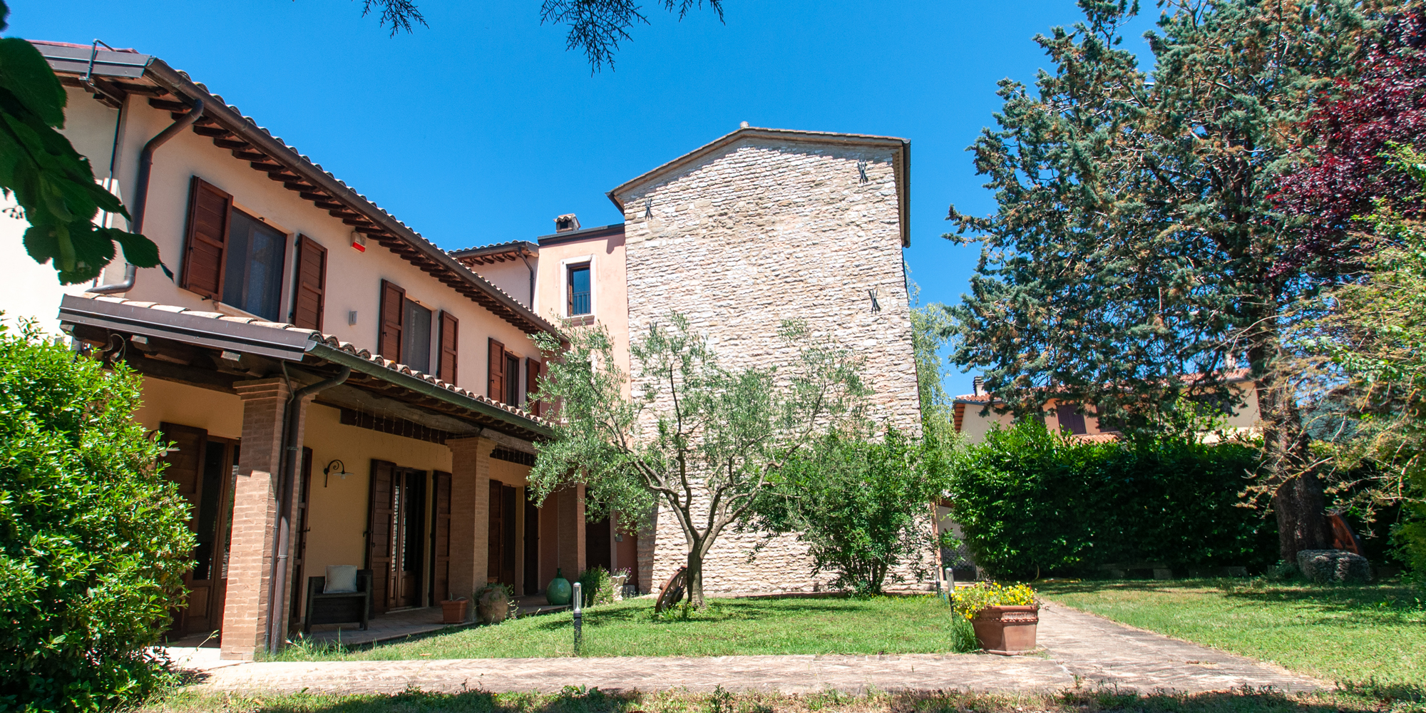 761 – Farmhouse with Ancient Tower of 1200 restored